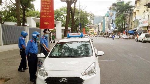 Xử phạt tài xế ''chặt chém'' du khách thông qua ứng dụng ''Du lịch Việt Nam an toàn''