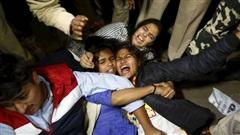 Chấn động: Cô gái Ấn Độ bị chồng sắp cưới lôi vào rừng để anh trai cùng nhóm bạn hơn 20 người cưỡng bức, chi tiết vụ việc gây phẫn nộ