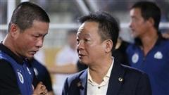 SLNA mời tướng cũ của bầu Hiển về cầm quân, chi lót tay cực 'khủng' để giữ Phan Văn Đức?