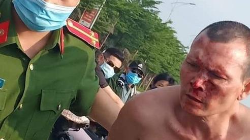 Hà Nội: Khống chế, bắt giữ đối tượng đâm trọng thương tài xế, cướp taxi khi đang bị truy nã vì tội giết người