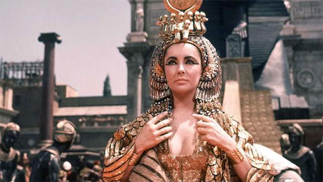 """Bí thuật chuyện ấy của nữ hoàng Cleopatra, 2000 năm vẫn có """"ma lực"""" ngút người"""