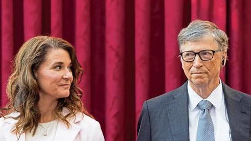 Tỷ phú Bill Gates gạ gẫm các nữ nhân viên trong nhiều năm, thừa nhận từng ngoại tình và tỏ thái độ khó chịu với vợ