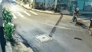 2 giờ sáng, 6 thanh niên dàn cảnh cướp xe máy, tiếng tri hô của nạn nhân khiến cả khu phố thất kinh