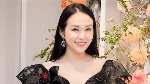 Vợ kém 12 tuổi xinh đẹp, giàu có của Tuấn Hưng