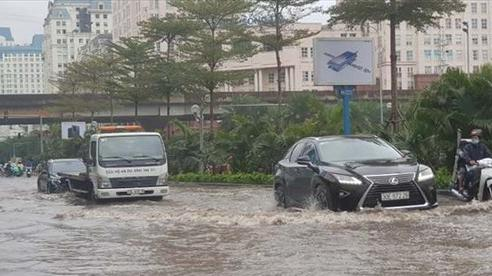 Bão số 2 áp sát: 5 tỉnh cấm biển, Hà Nội lập phương án ứng phó ngập úng