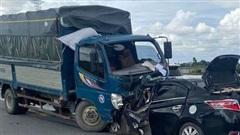 Hưng Yên: Ô tô con đấu đầu xe tải gây tai nạn kinh hoàng, cả 3 người trên xe đều tử vong, trong đó có cháu bé 4 tuổi