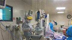 Hai nữ bệnh nhân COVID-19 tử vong, có người ở Hà Nội