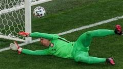 Hy Hữu: Một thủ môn gặp vấn đề trong cả 3 trận mở màn của đội mình ở 3 kỳ EURO