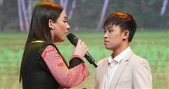 Xôn xao clip Hồ Văn Cường đang ốm, ho vẫn phải đi hát