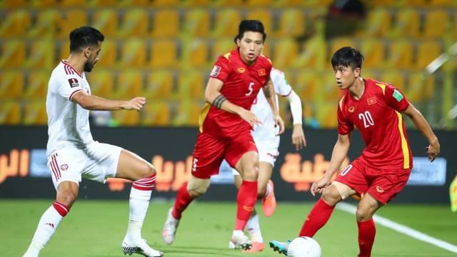 ĐT Việt Nam bị trừ điểm nặng khi thua UAE, Thái Lan dễ xuống hạng tệ nhất sau 2 năm