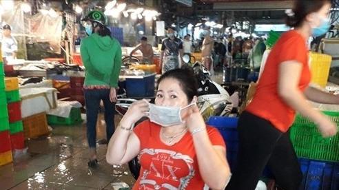 Phát hiện một người làm nghề bốc xếp ở chợ Bình Điền dương tính lần 1
