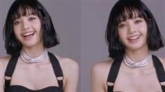 MXH náo loạn vì clip 37 giây của Lisa (BLACKPINK): Xinh như búp bê sống, nhìn vòng 1 và bờ vai móc áo mà chị em nào cũng mơ ước