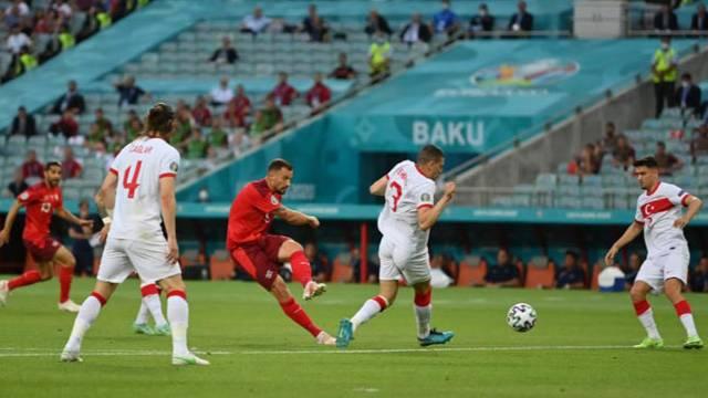 EURO ngày 21/6: Italia toàn thắng vòng bảng, xác lập kỷ lục 30 trận bất bại