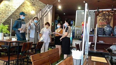 Hà Nội mở lại cắt tóc, ăn uống trong nhà từ 0 giờ ngày 22/6