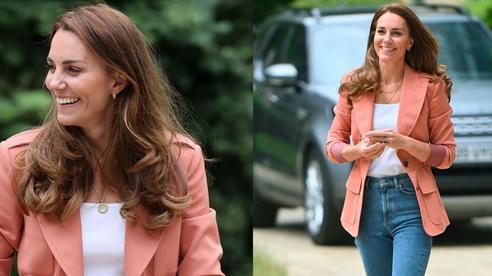 Outfit của Công nương Kate đang trẻ xinh, sành điệu bỗng bớt đẹp hẳn vì chiếc áo blazer lỗi thời