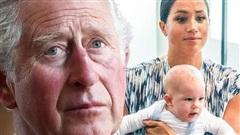 Nguồn cơn dẫn đến drama Hoàng gia Anh với nhà Meghan không hồi kết: Do Thái tử Charles không muốn Archie làm Hoàng tử?