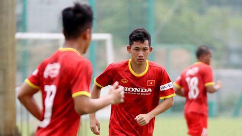Một tuyển thủ Việt Nam phải tiếp tục cách ly sau vòng loại World Cup
