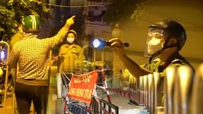 Nửa đêm phong tỏa hơn 7.000 dân huyện Hóc Môn chống dịch Covid-19