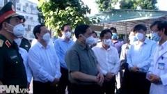 Thủ tướng kiểm tra công tác phòng chống dịch tại Bình Dương
