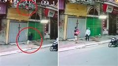 Thót tim cháu bé 4 tuổi trèo qua lan can bị rơi ở Nam Định