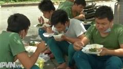 Nỗ lực phục vụ nhân dân tại các khu cách ly