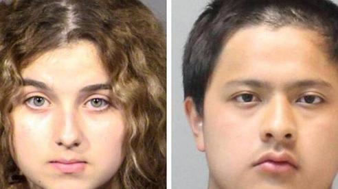 Đôi tình nhân tuổi teen dùng dao đâm bố 70 nhát rồi đốt xác vì bị cấm yêu đương, tội ác bại lộ từ đoạn video chúng tự quay sau khi gây án