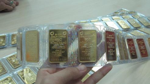 Giá vàng hôm nay 5-7: Vàng SJC vẫn tăng dù thị trường èo uột