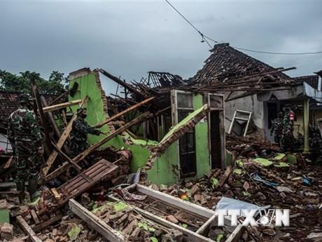 Indonesia: Động đất 6,1 độ làm rung chuyển bờ biển đảo Sulawesi