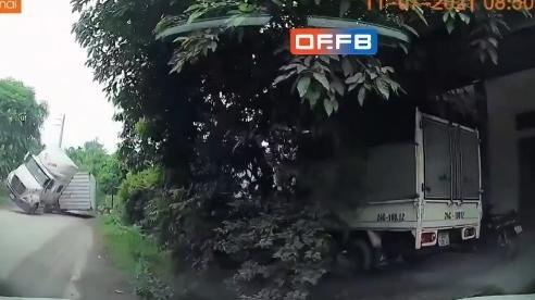 Xe đầu kéo chở 1.600 lít axit đâm sầm vào nhà dân bên đường, cả gia đình la hét thất thanh