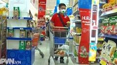 Đi chợ giúp dân mùa dịch