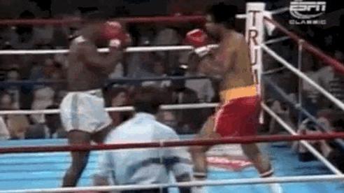 Mike Tyson lại gây chấn động, đấm gục đối thủ dễ như... ăn kẹo (P9)