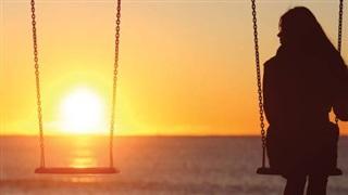 Ca khúc ngày mới: Một mình có buồn không; Vô tình