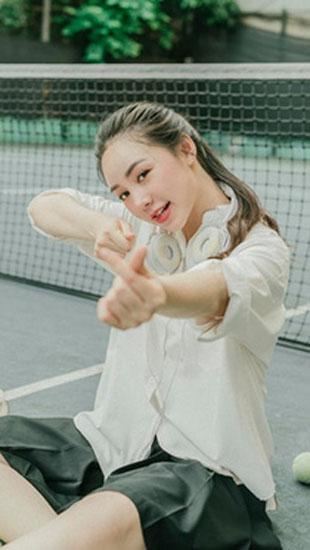 Quỳnh Kool hóa nữ sinh xinh đẹp trong bộ ảnh đón tuổi 26