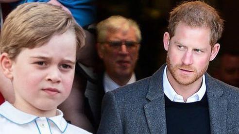 Harry viết hồi ký tấn công gia đình vì 'sợ hãi' trước Hoàng tử George?
