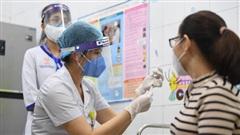Trước, trong và sau khi tiêm vaccine Covid-19, người dân cần làm gì để việc tiêm chủng thuận lợi và an toàn?