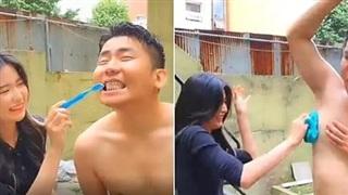 Nhận lời làm 'thư ký', tới đánh răng, tắm cho đồng nghiệp, nữ streamer xinh đẹp gây sốc khi kiếm 200 triệu chỉ trong một ngày
