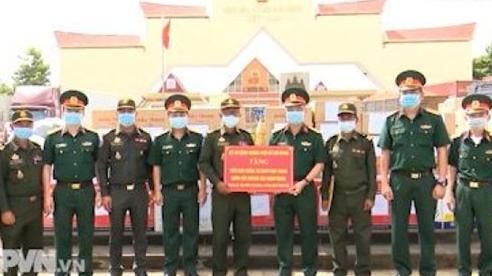 Quốc tế cùng Việt Nam ứng phó đại dịch