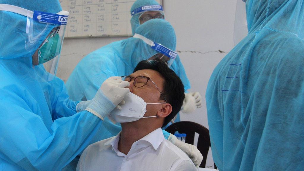 Sáng 7/8, Hà Nội thêm 18 ca dương tính SARS-CoV-2, trong đó 7 ca ngoài cộng đồng