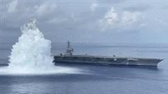 Tàu sân bay Mỹ lại bị 'tra tấn' bằng 20 tấn thuốc nổ