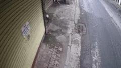Người đàn ông thản nhiên đi vào nhà dân trộm xe máy và cái kết đắng ngắt