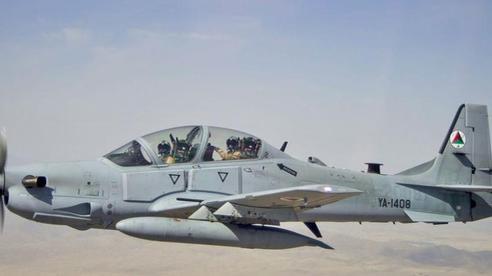 Máy bay Afghanistan đâm trúng tiêm kích Uzbekistan khi đào thoát