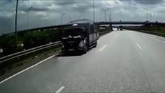 Xe tải chạy ngược chiều trên cao tốc ở làn 100km/h
