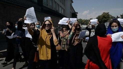 Afghanistan: Taliban ra thông báo liên quan chính phủ mới, cảnh cáo người biểu tình, Indonesia nêu quan điểm