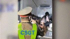 15 người trốn trong thùng xe đông lạnh 'thông chốt' về quê