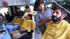 Thợ hớt tóc ở Afghanistan khốn đốn từ khi Taliban lên nằm quyền