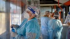 Covid-19: Singapore gia tăng khó khăn, Anh tiêm vắc-xin cho trẻ 12-15 tuổi