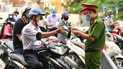 19 khu vực vùng xanh ở Hà Nội sẽ không kiểm soát giấy đi đường