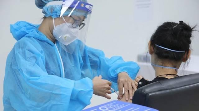 Sáng 16/9: Hơn 6.000 ca COVID-19 nặng đang điều trị, TP HCM thí điểm 'thẻ xanh' tại 5 đơn vị