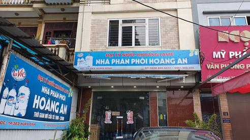 NÓNG: Tạm giữ bố nạn nhân vụ bé gái 6 tuổi ở Hà Nội tử vong nghi bị bạo hành