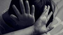 Bé 6 tuổi tử vong nghi bị bạo hành
